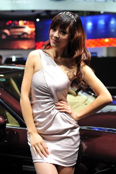 China Auto Showgirls
