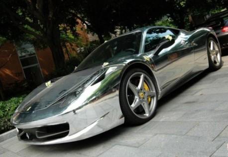 Ferrari 458 Italia wrapped in Silver