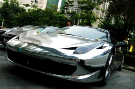 Ferrari 458 Italia wrapped in Silver