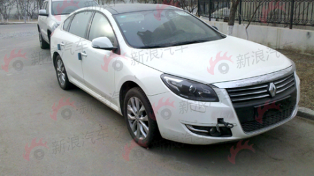 Renault Safrane pops up in China