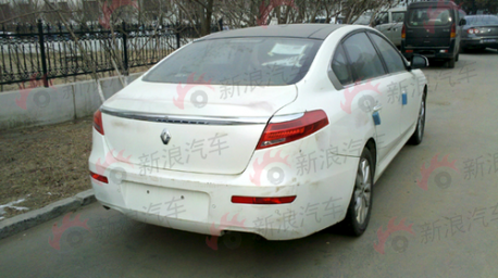 Spyshots on Spy Shots  Renault Safrane Pops Up In China   Carnewschina Com   China
