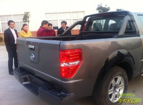 JAC 4R3 pickup truck Ford F150 clone from China
