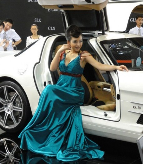 Sexy Chinese girl Mercedes-Benz SLS AMG China