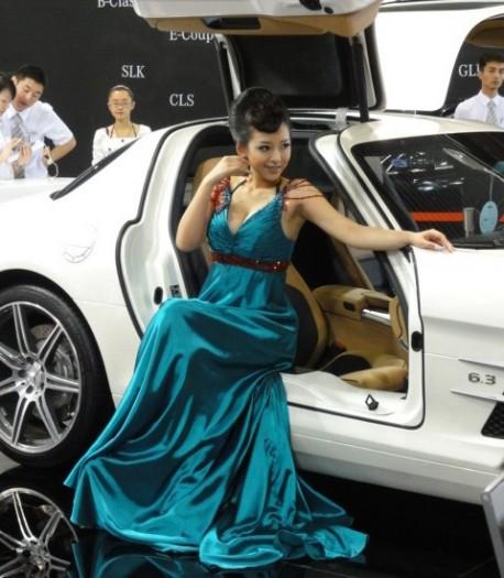 Sexy Chinese girl Mercedes-Benz SLS AMG China