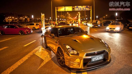 Nissan GTR in Gold in China