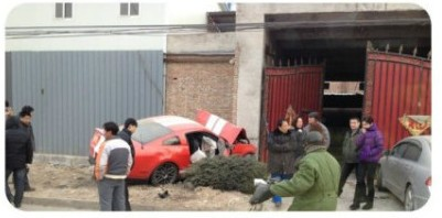 Ford Mustang Shelby GT500 crash