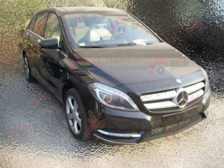 Mercedes-Benz B-class testing in China