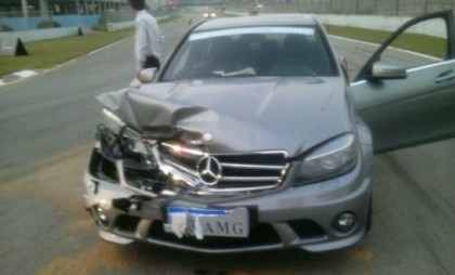 Journalist crashes Mercedes-Benz SLS AMG in China