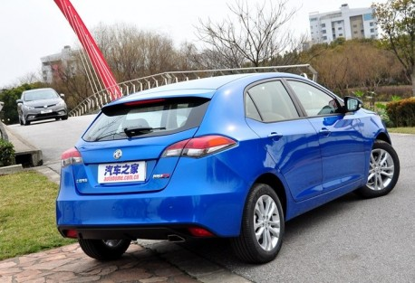http://www.carnewschina.com/wp-content/uploads/2012/03/mg5-china-blue-2-458x313.jpg