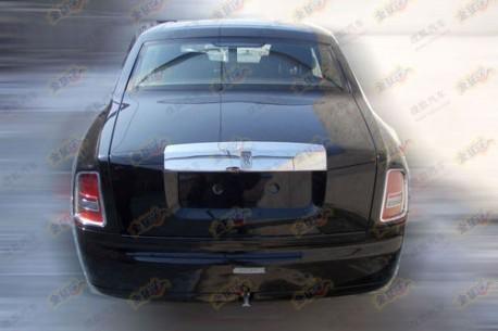 Rolls Royce Phantom Series II testing in China