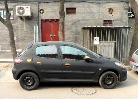 [SUJET OFFICIEL][CHINE] Citroën C2 - Page 2 A-peugeot-207-matte-black-china-2-458x330
