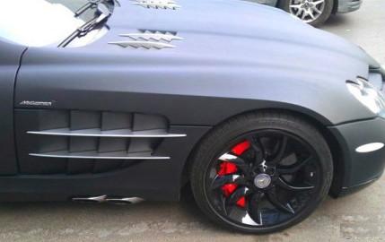 Mercedes-Benz SLR McLaren in matte-black