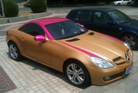Mercedes-Benz SLK in Glitter-Gold and Pink from China