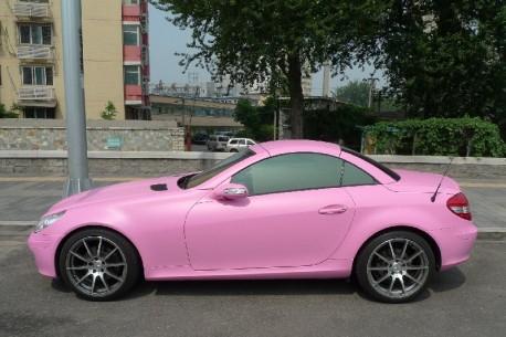 Mercedes-Benz SLK in matte-pink