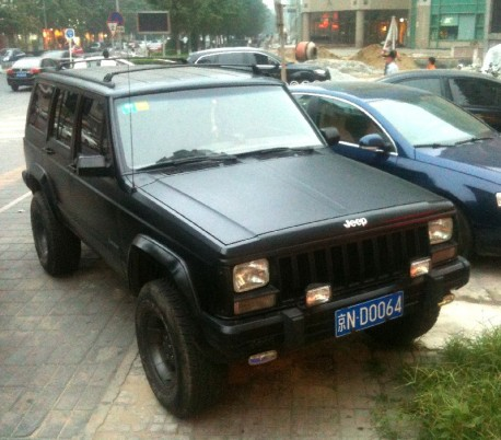 Beijing-Jeep Cherokee in matte-black in China