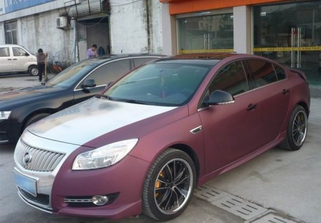 Buick Regal in matte-purple & silver in China