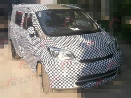 Chang'an F101 mini MPV testing in China