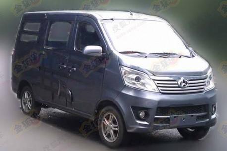 Chang'an M201 minivan testing in China