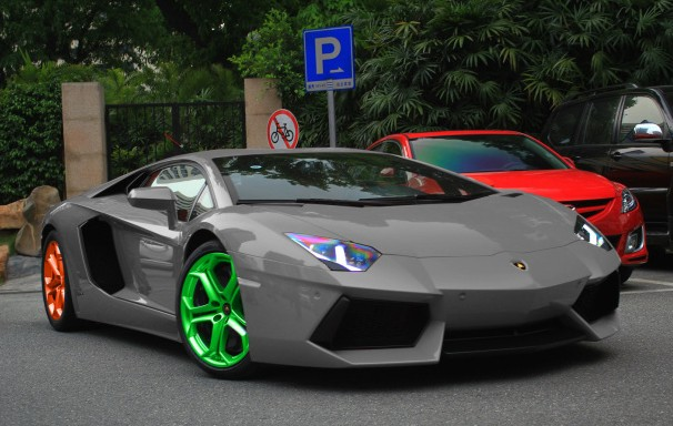 Lamborghini Aventador With Orange Green Alloys In China
