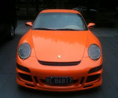 Porsche 911 GT3 is Orange in China