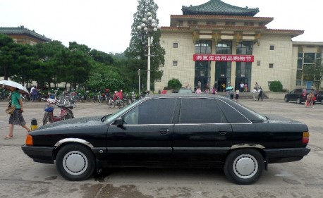 Spotted in China: a very early FAW Audi 100