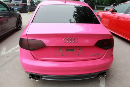 Audi A4L is a pink lowrider in China