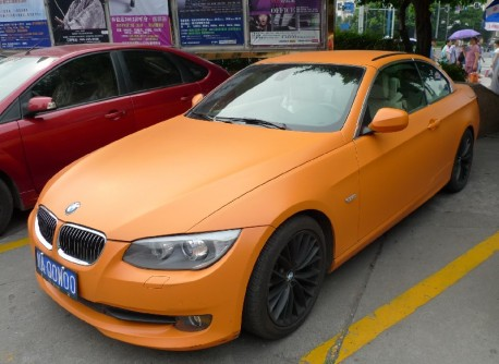 BMW 3-series Convertible is matte-orange in China