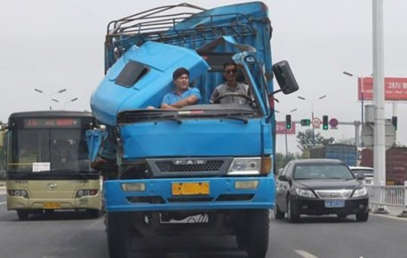 Chinese trucks are indestructible, Part 4