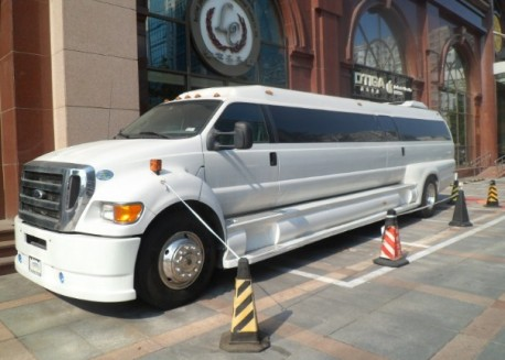 Ford F650 Limousine is Big in China