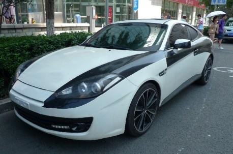 Hyundai Tiburon in black & white in China
