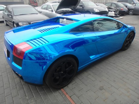 Lamborghini Gallardo in metallic-shiny-blue from China