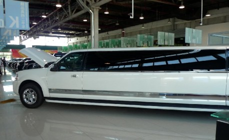 A very long Lincoln Navigator limousine in China