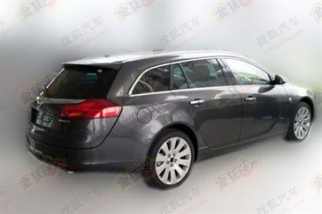 Opel Insignia Sports Tourer testing in China