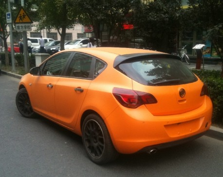 Buick Excelle XT is matte orange in China