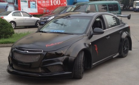 chevrolet cruze gets a super fat body kit in china. Black Bedroom Furniture Sets. Home Design Ideas