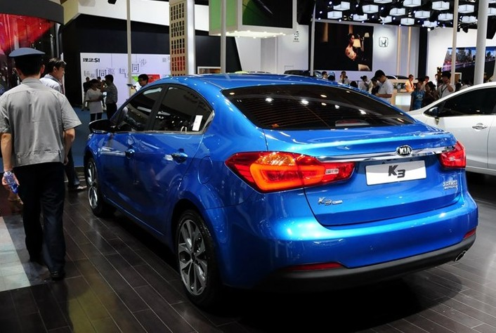 http://www.carnewschina.com/wp-content/uploads/2012/09/kia-k3-october-china-2.jpg