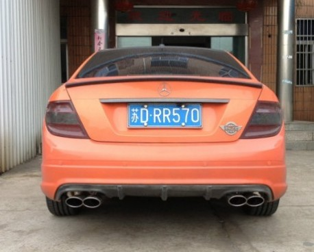 Mercedes-Benz C180 is Orange in China