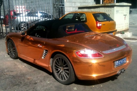 Porsche Boxster S in Glitter & Gold in China