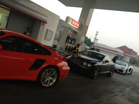 Super Car Super Spot in China: we need fuel!