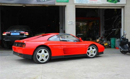Spotted in China: Ferrari 348 TS