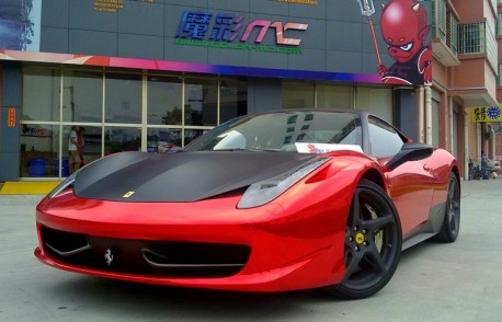 Ferrari 458 Italia in shiny red & matte black in China
