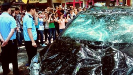 Nissan offers free repairs for riot-hit cars in China