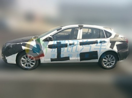 Spy Shots: SouEast V6 seen testing in China