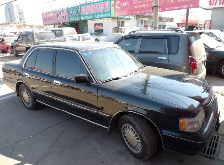 Spotted in China: S140 Toyota Crown Super Saloon