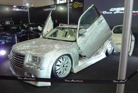 Chrysler 300C is Extremely Bling in China