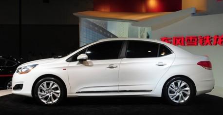 China-made Citroen C4L debuts at the Guangzhou Auto Show