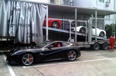 A truck full of Ferrari supercars in China