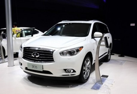 Infiniti JX35 launched in China on the Guangzhou Auto Show