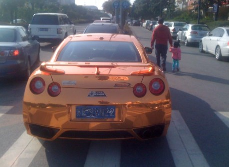Bling! Nissan GT-R is very Gold in China