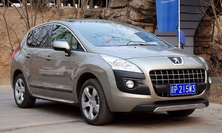 Spy Shots: China-made Peugeot 3008 without camouflage